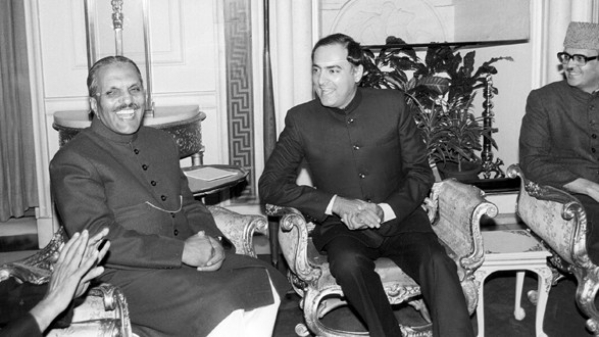 Muhammad Zia-ul-Haq with Rajiv Gandhi on his visit to India.