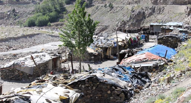 Migrant workers live in unhygienic shanties at Rekong Peo in Himachal Pradesh.