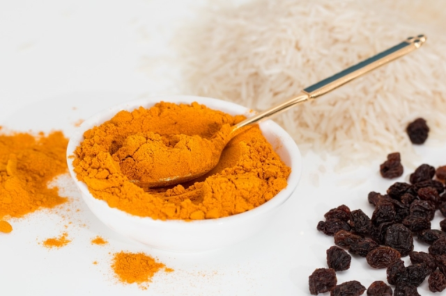 Turmeric is an effective remedy for a sore throat, cough, flu and even insomnia.