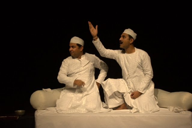 Murtaza Danish Hussain (left) and Mahmood Farooqui (right) are well known Dastangoi artists. It was Murtaza who introduced the victim to Farooqui.