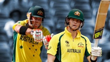 David Warner (L) and Steve Smith (R) have both been named in Australia's World Cup squad.