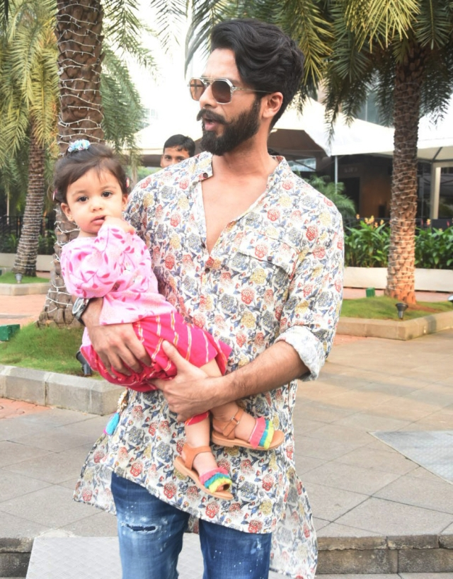 Shahid Kapoor sent some quality time with his little Misha.