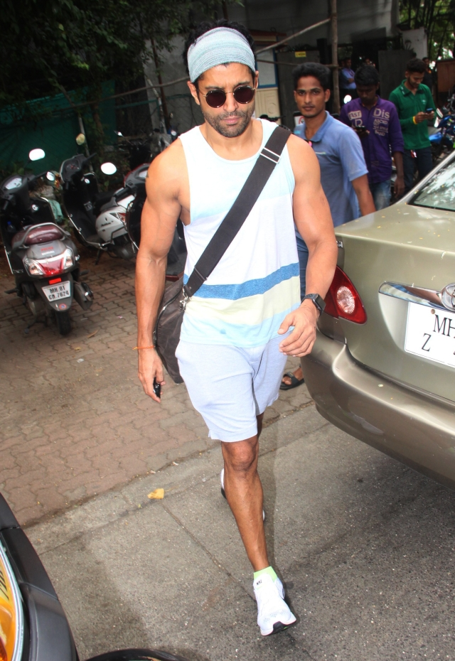 Farhan hits the gym post the Diwali feasts.