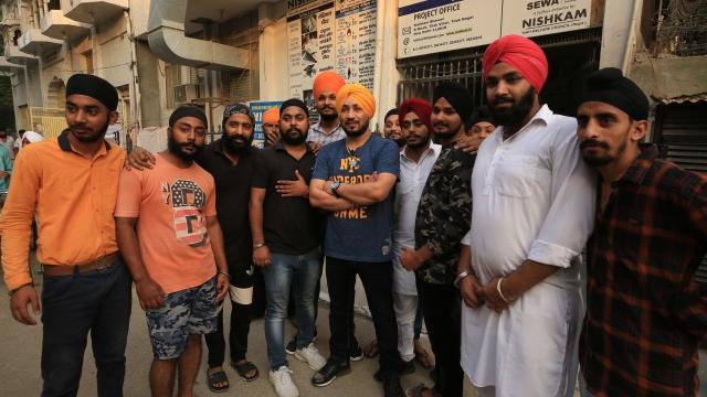 Singer Dilbagh Singh with his fans in Tilak Vihar, New Delhi