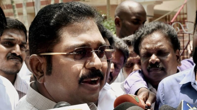 Many leaders have come out in support of Dhinakaran, who see a political agenda behind the crackdown by the I-T dept.