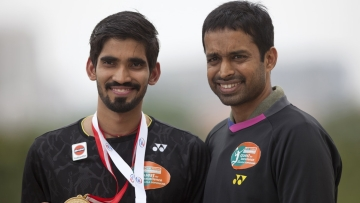 Kidambi Srikanth (L) and Pullela Gopichand (R).