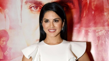 Sunny Leone cancels her NYE performance.
