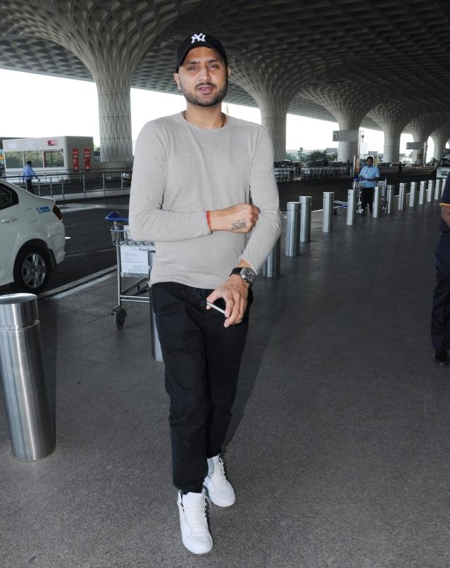 Harbhajan Singh is ready for a comfortable flight.