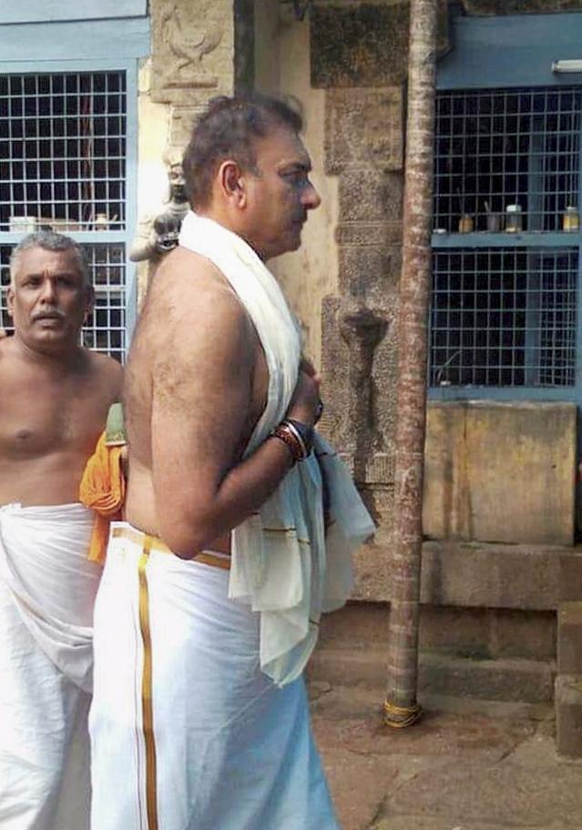 Thiruvananthapuram : Indian Cricket Team head coach Ravi Shastri at the Thiruvallam Sree Parasurama Temple, in Thiruvananthapuram