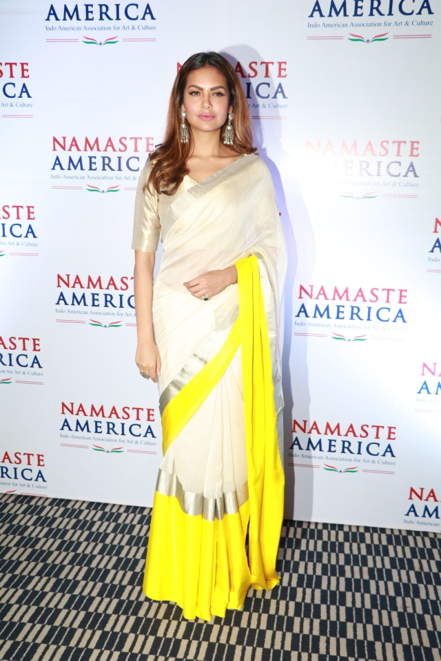 Esha Gupta's saree is on point for an event.