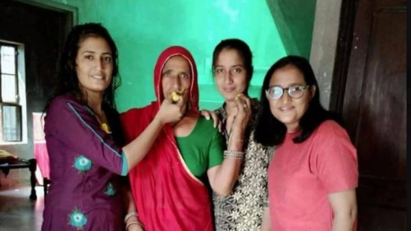 These three sisters (with their mother) from Rajasthan cleared the RAS exam (a state-level exam in Rajasthan) and NOT the IAS.