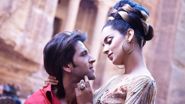 <p>Kangana and Hrithik in a still from <i>Krrish</i>. </p>