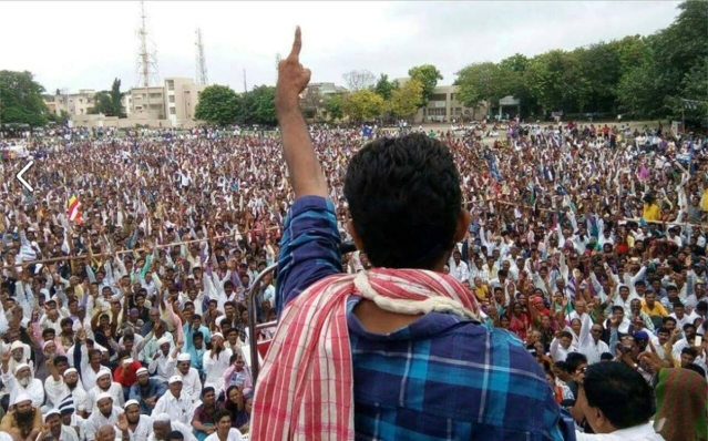 Jignesh Mevani addressing supporters in Una on 15 August 2016.