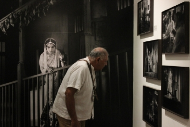 Visitors at the exhibition: A Cinematic Exhibition: Josef Wirsching and Bombay Talkies