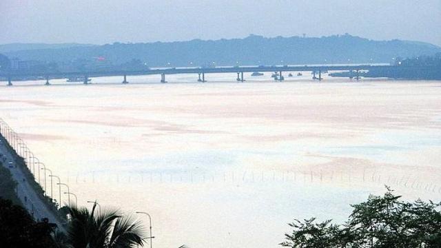 Mahadayi/Mandovi Bridge in Ribandar.