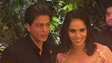Shah Rukh Khan and Saina Nehwal at Virat-Anushka's Mumbai reception.