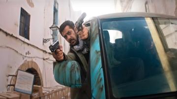 <p>Salman Khan brandishing his rescue skills in <i>Tiger Zinda Hai.</i></p>
