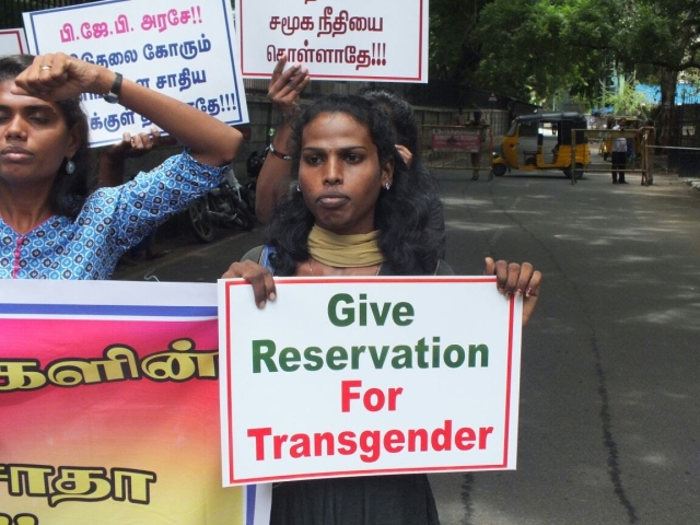 Tharika and Grace demanding the transgender community to be granted reservation.