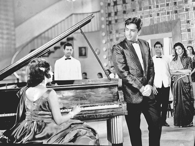 Shashi Kapoor in his black and white glory.