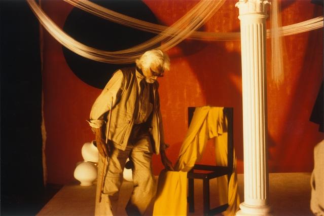 MF Husain on the sets of <i>Gaja Gamini</i>