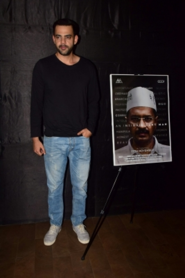 "Mumbai: Actor Abhay Deol at the special screening of film ""An Insignificant Man"" in Mumbai on Nov 13, 2017. (Photo: IANS)"