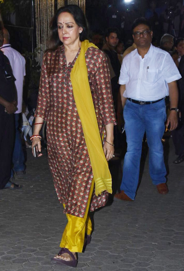Hema  Malini arrives for the service.