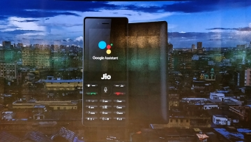 Google Assistant now comes to JioPhone.