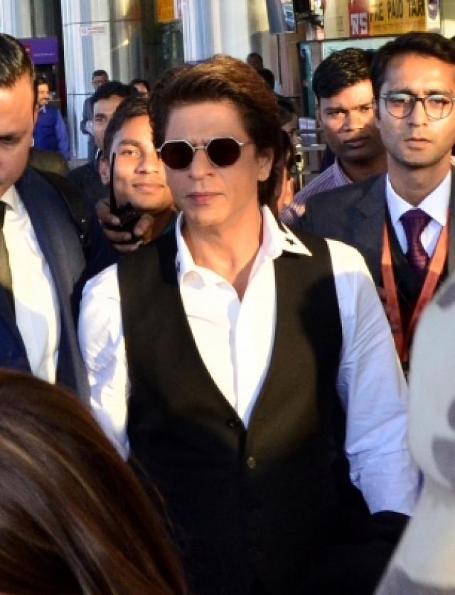 Jaipur: Actor Shah Rukh Khan arrives at Jaipur International Airport in Jaipur on Dec 8, 2017. (Photo: Ravi Shankar Vyas/IANS)
