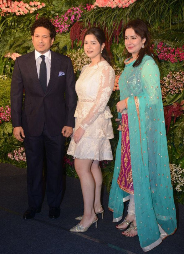 Sachin Tendulkar with his wife and daughter.