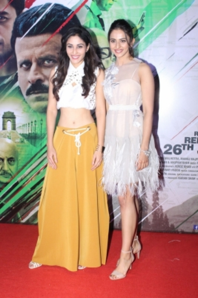 "Mumbai: Actresses Pooja Chopra and Rakul Preet Singh at the trailer launch of their upcoming film ""Aiyaary"" in Mumbai on Dec 19, 2017. (Photo: IANS)"