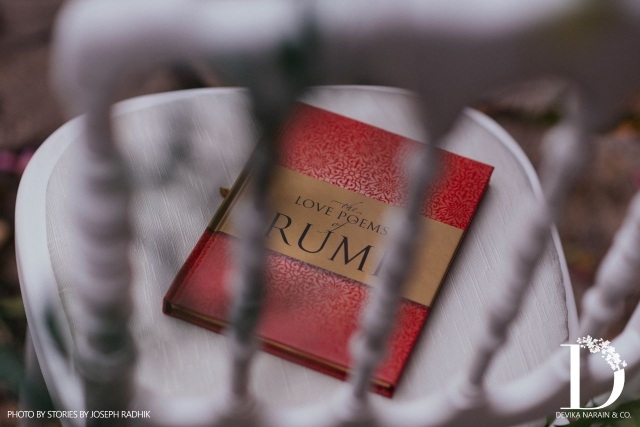 An anthology of Rumi's poems was gifted to each guest.
