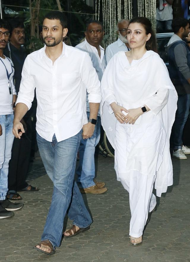 Kunal Khemu and Soha Ali Khan arrive for the service.
