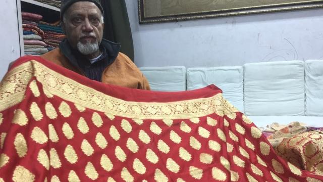 Craftsman of Anushka's Banarasi saree, Maqbool Hassan.