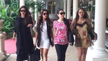 Karisma Kapoor, Kareen Kapoor Khan, Malaika Arora and Amrita Arora comprise a squad to envy.