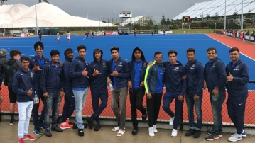 The Indian Under-19 team watched the Indian hockey team in action on Wednesday in New Zealand.
