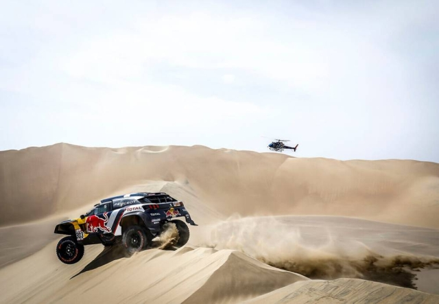 The Peugeot 3008 DAKAR in action during the first stage from Lima to Pisco.