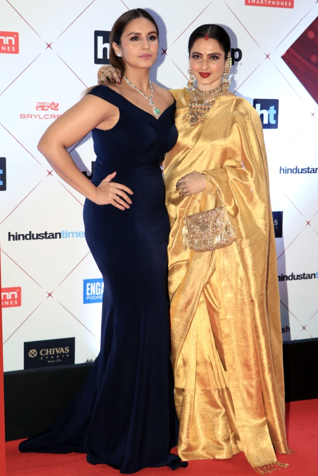 Huma Qureshi and Rekha bond on the red carpet.