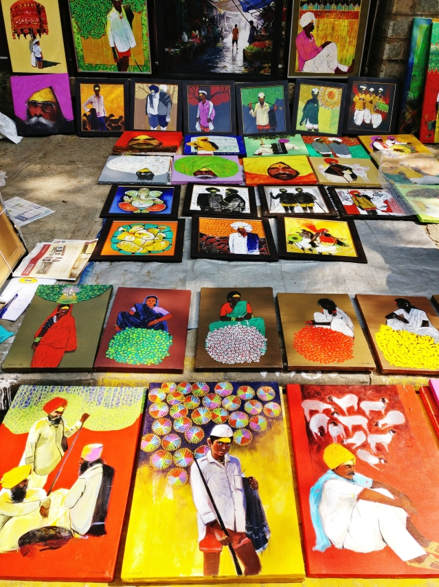 More than 1,500 artists participate from all over India.