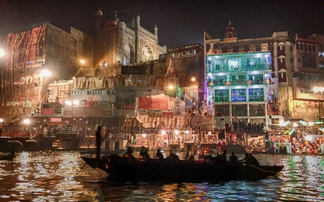 A glimpse of Dev Diwali in Varanasi.