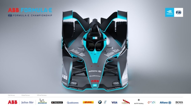 The tall and imposing design layout of the racing car makes it look attractive.