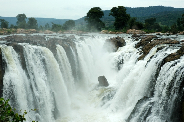 Hogenakkal Falls.