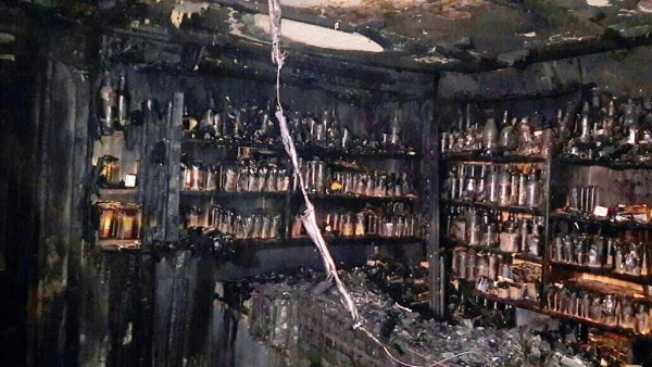 The fire broke out around 2.30 am in Kailash bar and restaurant, located in the ground of Kumbaara Sanga Building in KR Market, West Bengaluru.