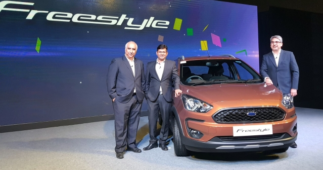 (From left) Vinay Raina, ED marketing, sales and service, Rahul Gautam, VP marketing, and Anurag Mehrotra, president and MD, Ford India, at the unveiling of the Ford Freestyle.
