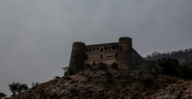 A view of the Bhangarh Fort.