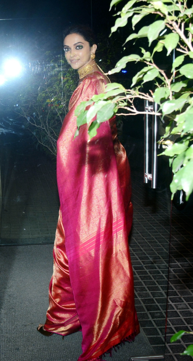 Deepika looking gorgeous in a saree at the <i>Padmaavat</i> screening.