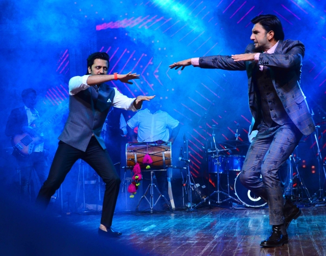 Ranveer & Riteish set the stage ablaze.