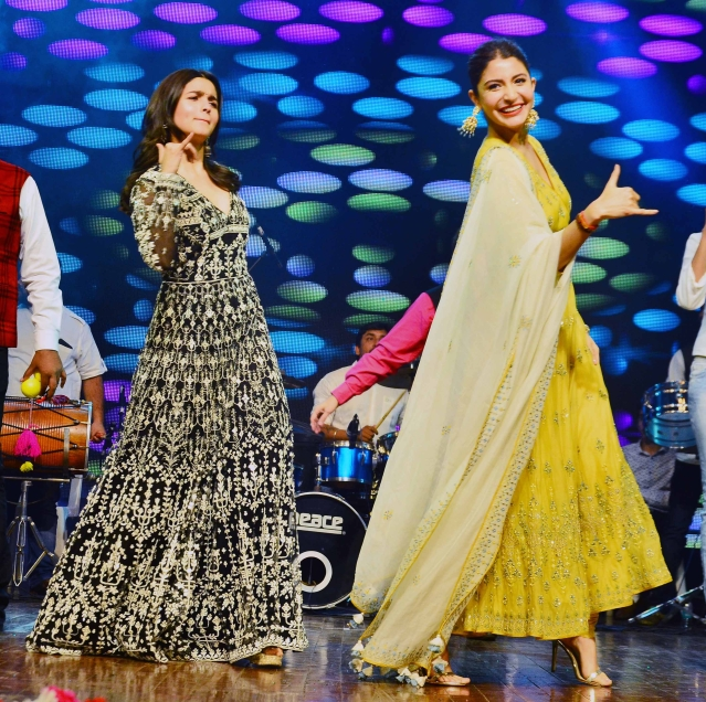 Alia and Anushka seem to be doing the <i>Breakup dance </i>step.