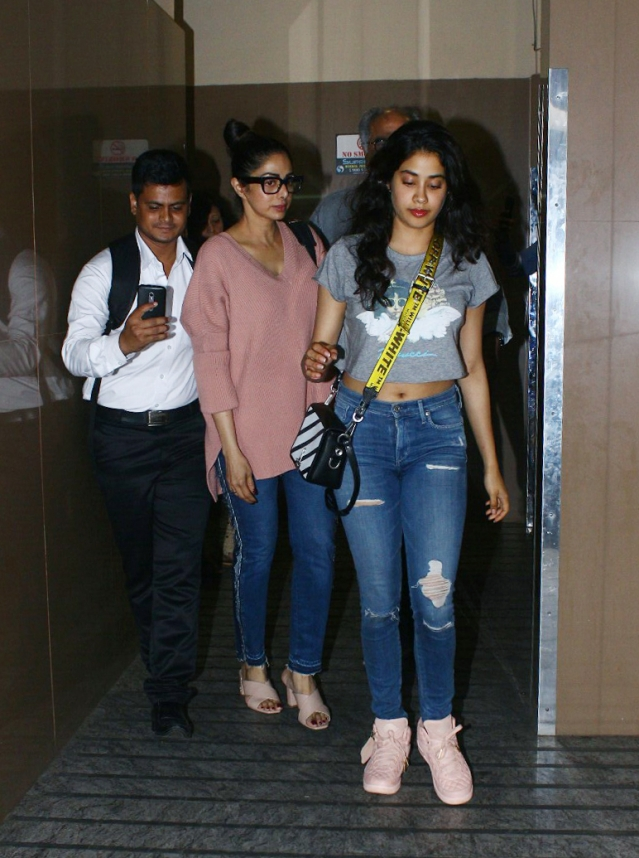 Sridevi with daughter Janhvi.