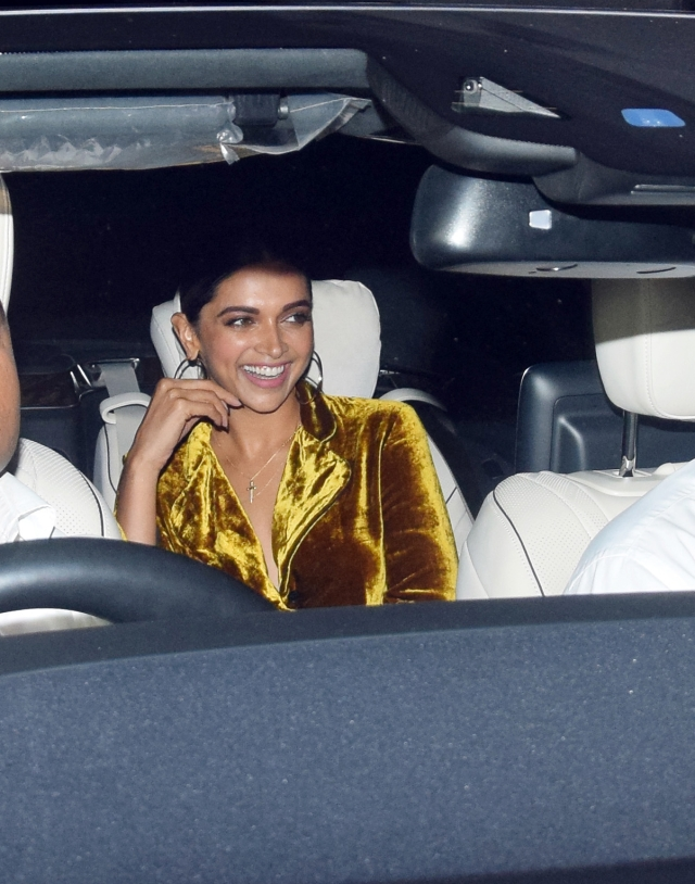 Lady in gold, Deepika Padukone.