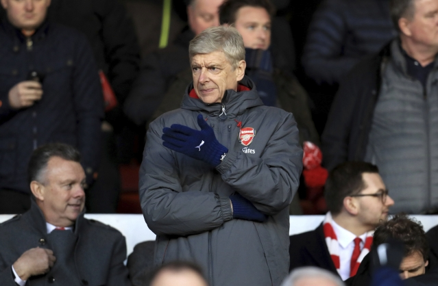 Arsene Wenger gestures during the FA Cup match.